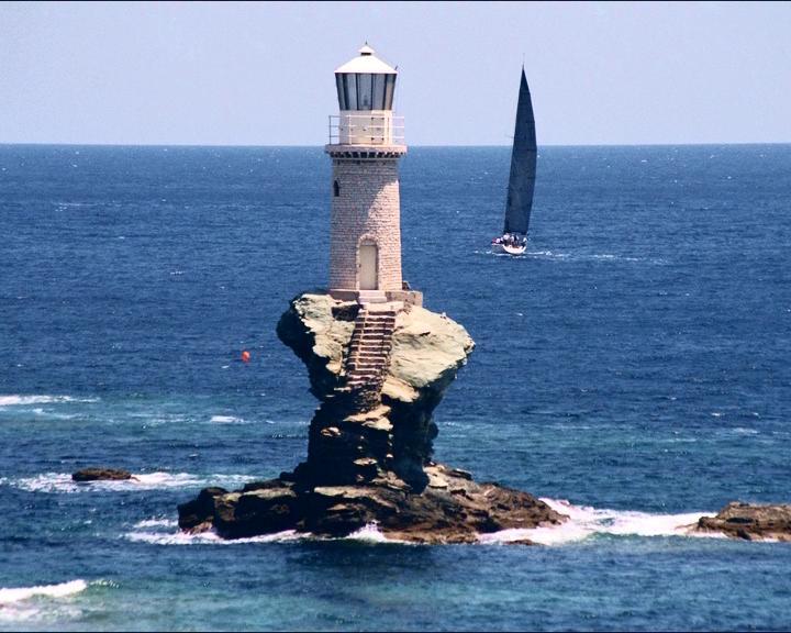 turlitis Andros Leuchtturm Griechenland