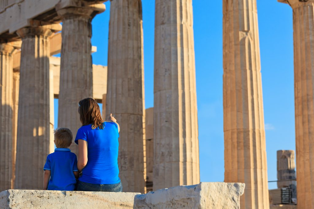 fun-under-the-acropolis-as-experienced-in-discover-greek-culture-s-tour-created-for-families-and-children-1024x683