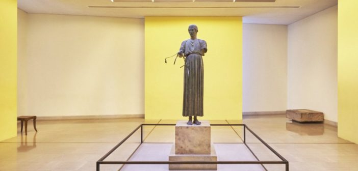 the-charioteer-one-of-the-most-famous-monuments-found-at-the-archaeological-museum-of-delphi-that-stands-among-the-most-important-museums-in--1024x683