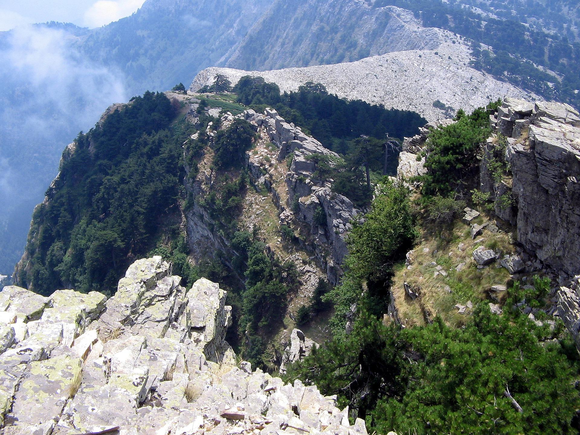 the-peak-of-ipsarion-2463323_1920