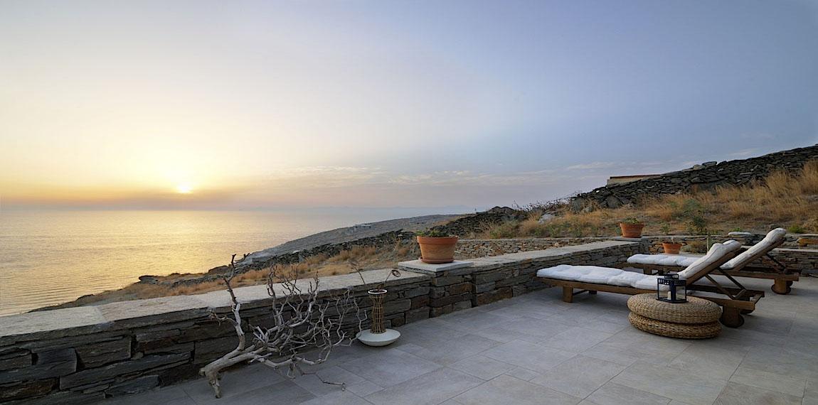 4 Kea--Villa-Rent-VA Terrace sunset