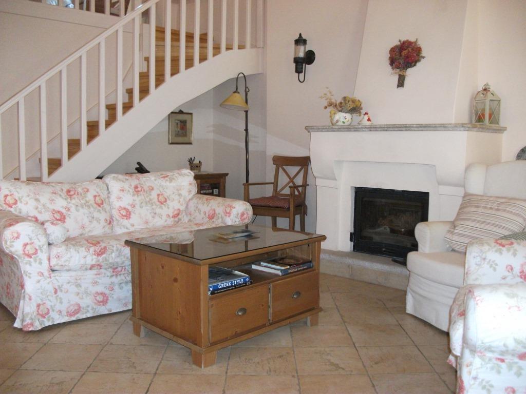 liz living room