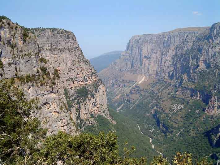 Epirus, Aristi, Herrenhaus, Dorf, Griechenland, Ioannina, Zagorochoria,Unterkunft, Arhontiko, Schlucht, Vikos