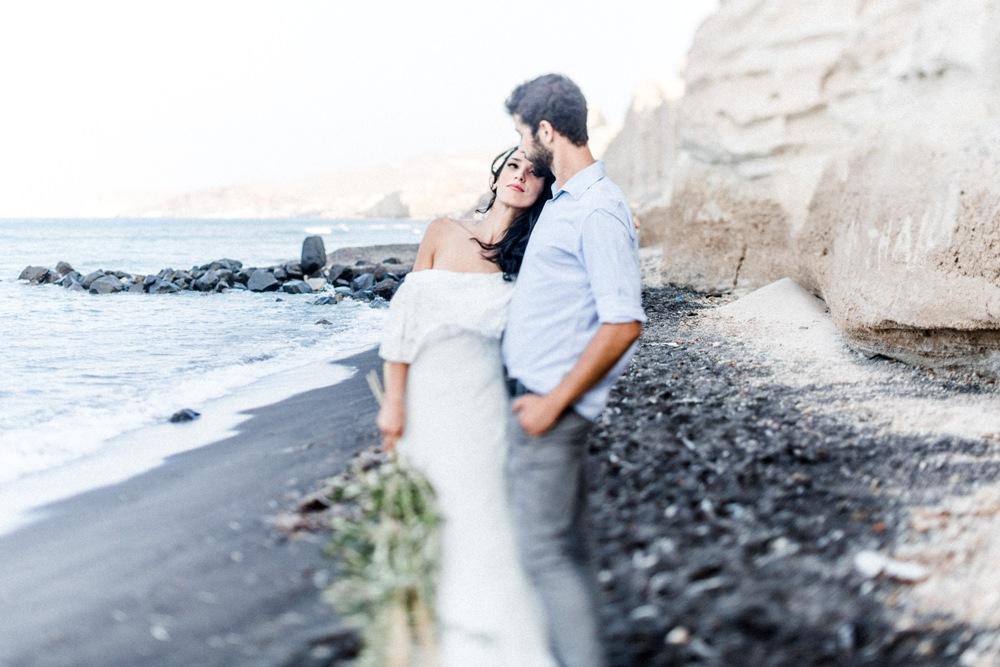 Eins der nicht-zu-verpassen Fototipps ist zumindest eine Aufnahme auf den sogenannten Schwarzen Strand. Dort fühlt man sich eben den Vibe. Foto von Isabel Sacher.