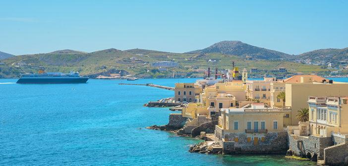 Syros:Nur zwei Fährstunde entfernt, und doch Lichtjahre weit weg